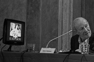 EUROVISIONI CELEBRE LA MÉMOIRE DE L'AMI ROBERT STEPHANE